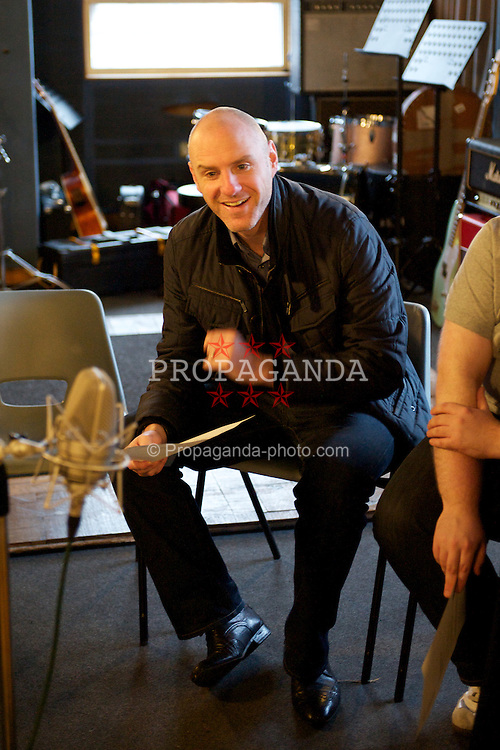 LIVERPOOL, ENGLAND - Monday, November 21, 2011: Tony Barrett during the recording of the Anfield Wrap 17 podcast at Parr Street Studios. (Pic by David Rawcliffe/Propaganda)