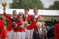 Team Suisse Gold Medal<br /> Schwizer Pius, Crotta Clarissa, Guerdat Steve, Etter Daniel, chef d'Equipe Rolf Graz<br /> European Championship Jumping Windsor 2009<br /> © Hippo Foto - Dirk Caremans