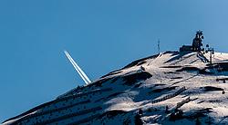 THEMENBILD - ein Flugzeug bei der Überquerung der Alpen vor der Bergstation der Westgipfelbahn der aufgenommen am 28. März 2017, Zwölferkogel, Saalbach Hinterglemm, Österreich // A plane crossing the Alps in front of the mountain station of the Westgipfelbahn at the, Zwoelferkogel, Saalbach Hinterglemm, Austria on 2017/04/10. EXPA Pictures © 2017, PhotoCredit: EXPA/ JFK