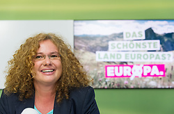 28.05.2014, Gruener Klub, Wien, AUT, Gruene, Nach der EU-Wahl und Aktuelles. im Bild Kandidatin der Gruenen zur EU-Wahl Monika Vana // Candidate of the Greens for EU-Election Monika Vana during press conference of the greens about EU-Election at pressroom of the greens in Vienna, Austria on 2014/05/28. EXPA Pictures © 2014, PhotoCredit: EXPA/ Michael Gruber
