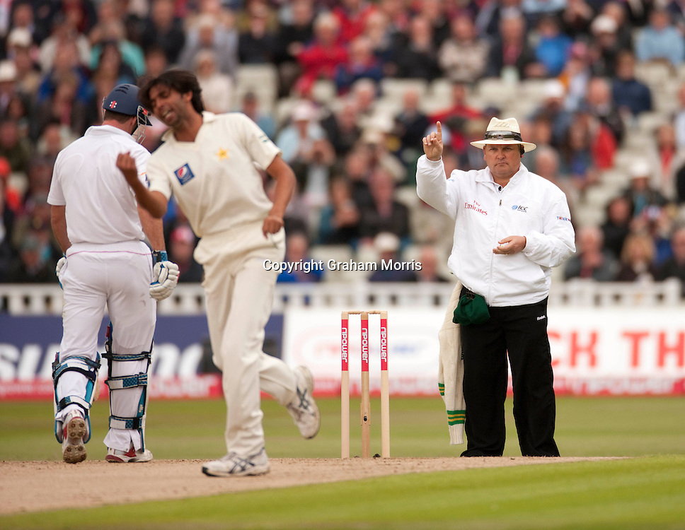 Umpire Marais Erasmus gives Alastair Cook out lbw before being reversed after a referral in the second npower Test Match between England and Pakistan at Edgbaston, Birmingham.  Photo: Graham Morris (Tel: +44(0)20 8969 4192 Email: sales@cricketpix.com) 06/08/10