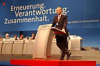 19 NOV 2001, NUERNBERG/GERMANY:<br /> Rudolf Scharping, SPD, Bundesverteidigungsminister, waehrend seiner Rede, SPD Bundesparteitag, Congress Centrum Nuernberg<br /> IMAGE: 20011119-01-101<br /> KEYWORDS: Parteitag, Nürnberg, speech