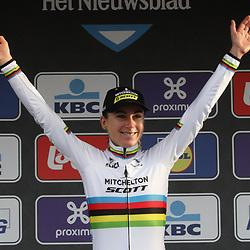29-02-2020: Wielrennen: Omloop Nieuwsblad: Ninove: Annemiek van Vleuten wint de Omloop het Nieuwsblad voor Marta Bastianelli en Floortje Mackaij