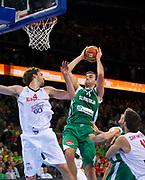 DESCRIZIONE : Kaunas Lithuania Lituania Eurobasket Men 2011 Quarter Final Round Spagna Slovenia Spain Slovenia<br /> GIOCATORE : Mirza Begic<br /> CATEGORIA : tiro penetrazione<br /> SQUADRA : Spagna Spain Slovenia<br /> EVENTO : Eurobasket Men 2011<br /> GARA : Spagna Slovenia Spain Slovenia<br /> DATA : 14/09/2011<br /> SPORT : Pallacanestro <br /> AUTORE : Agenzia Ciamillo-Castoria/T.Wiendesohler<br /> Galleria : Eurobasket Men 2011<br /> Fotonotizia : Kaunas Lithuania Lituania Eurobasket Men 2011 Quarter Final Round Spagna Slovenia Spain Slovenia<br /> Predefinita :