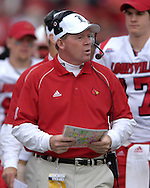 Louisville head coach Bobby Petrino during action against Kansas State at Bill Snyder Family Stadium in Manhattan, Kansas, September 23, 2006.  The 8th ranked Louisville Cardinals beat K-State 24-6.