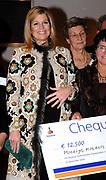 H.K.H. Prinses Máxima woont de uitreiking bij van het Nationale Compliment en Uitreiking MADD-Awards  in het Auditorium van de Rabobank te Utrecht op zaterdag 16 december 2006. / H.R.H. Prinses Máxima attends the presentation  of the National Compliment and the presentation of the MADD awards at the RABO bank in Utrecht.