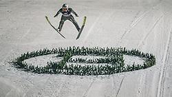 06.01.2020, Paul Außerleitner Schanze, Bischofshofen, AUT, FIS Weltcup Skisprung, Vierschanzentournee, Bischofshofen, Finale, im Bild Killian Peier (SUI) // Killian Peier of Switzerland during the final for the Four Hills Tournament of FIS Ski Jumping World Cup at the Paul Außerleitner Schanze in Bischofshofen, Austria on 2020/01/06. EXPA Pictures © 2020, PhotoCredit: EXPA/ Dominik Angerer