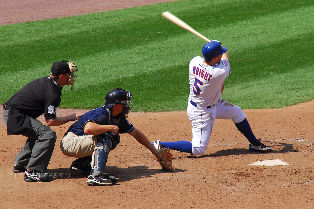 NY Mets vs San Diego Padres: David Wright follows through on swing that ends game in dramatic fashion, with a game winning 2-run home run in bottom of ninth inning, giving Mets a 5-3 victory. This is David's first ever walk off home run.