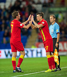 10.09.2013, Stamford Bridge, Cardiff, ENG, FIFA WM Qualifikation, Wales vs Serbien, Rueckspiel, im Bild Wales' substitute Gareth Bale is brought on against Serbia during the FIFA World Cup Qualifier second leg Match between Wales and Serbia at the Stamford Bridge stadium in Cardiff, Great Britain on 2013/09/10. EXPA Pictures © 2013, PhotoCredit: EXPA/ Propagandaphoto/ Alan Seymour<br /> <br /> ***** ATTENTION - OUT OF ENG, GBR, UK *****