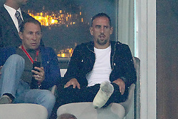 27.07.2011, Allianz Arena, Muenchen, GER, Audi Cup 2011, Finale,  FC Barcelona vs FC Bayern , im Bild Franck Ribery (Bayern #7) mit Gips auf der tribuene // during the Audi Cup 2011,  FC Barcelona vs FC Bayern  , on 2011/07/27, Allianz Arena, Munich, Germany, EXPA Pictures © 2011, PhotoCredit: EXPA/ nph/  Straubmeier       ****** out of GER / CRO  / BEL ******