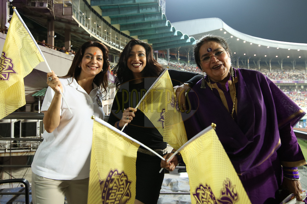 Film Star Rituparna(C), KKR co owner Juhi Chawla(L) and singer Usha Uthhup during match 2 of the Vivo Indian Premier League ( IPL ) 2016 between the Kolkata Knight Riders and the Delhi Daredevils held at the Eden Gardens Stadium in Kolkata on the 10th April 2016<br /> <br /> Photo by Saikat Das/ IPL/ SPORTZPICS