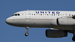 October 9, 2018 - Richmond, British Columbia, Canada - A United Airlines Airbus A320-200 (N406UA) single-aisle narrow-body jet airliner airborne on short final approach for landing. (Credit Image: © Bayne Stanley/ZUMA Wire)