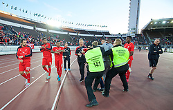 HELSINKI, FINLAND - Friday, July 31, 2015: A fan makes a grab for Liverpool's Jordon Ibe as Liverpool players walk around the pitch after the 2-0 victory over HJK Helsinki during a friendly match at the Olympic Stadium. (Pic by David Rawcliffe/Propaganda)