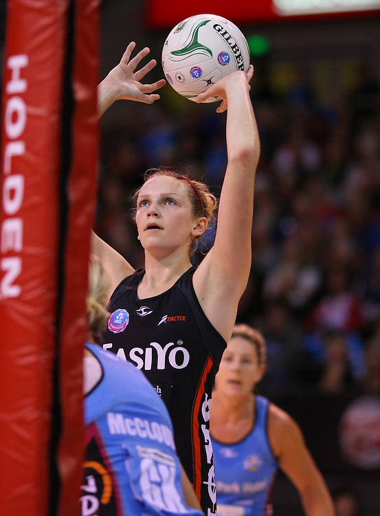 Tactix's Jo Harten shoots for goal against the Southern Steel in the ANZ Netball Championship, CBS Arena, Christchurch, New Zealand, Sunday, April 15, 2012. Credit:SNPA / Dianne Manson