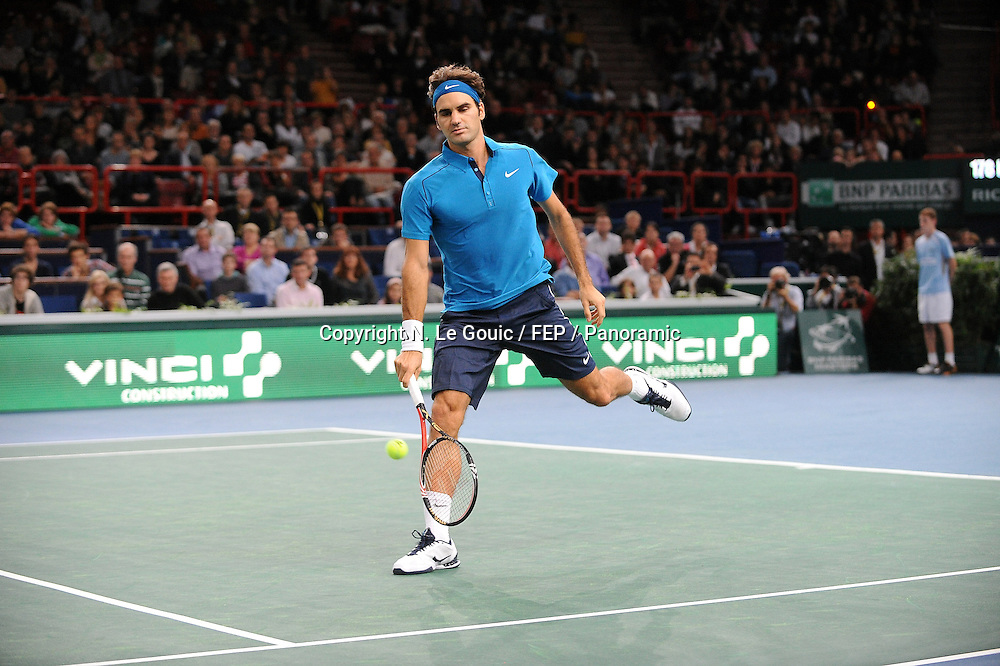 Roger Federer (SUI), BNP Paris Masters Tennis, Paris France. 9 November 2011. Photo: Panoramic