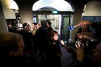 Nederland. Den Haag, 20 februari 2010.<br /> 04.26 uur, na de verklaring van Balkenende : Hamer en Rouvoet in de hal van ministerie algemene zaken.<br /> Premier Balkenende gaat het ontslag van zijn vierde kabinet indienen bij koningin Beatrix. Na een keiharde confrontatie in de ministerraad over de militaire missie in Uruzgan bleek rond vier uur 's nachts nog maar één conclusie mogelijk: aftreden. kabinetscrisis; val kabinet; Balkenende Vier; vierde kabinet Balkenende; politiek; binnenhof, den haag<br /> Foto Martijn Beekman