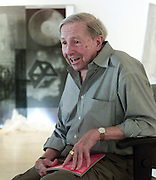 American pop culture artist Robert Rauschenberg is interviewed at a Naples, Florida art gallery featuring his work in this January 2002 file photo. The 82-year-old died Monday, May 12, 2008, of heart failure according to Jennifer Joy, his representative at PaceWildenstein gallery in New York. Rauschenberg's incorporation of everyday items, both common place and the odd in his artwork earned him the reputation as a pioneering pop artist, gaining fame in the 1950's. Photo by Colin Braley.