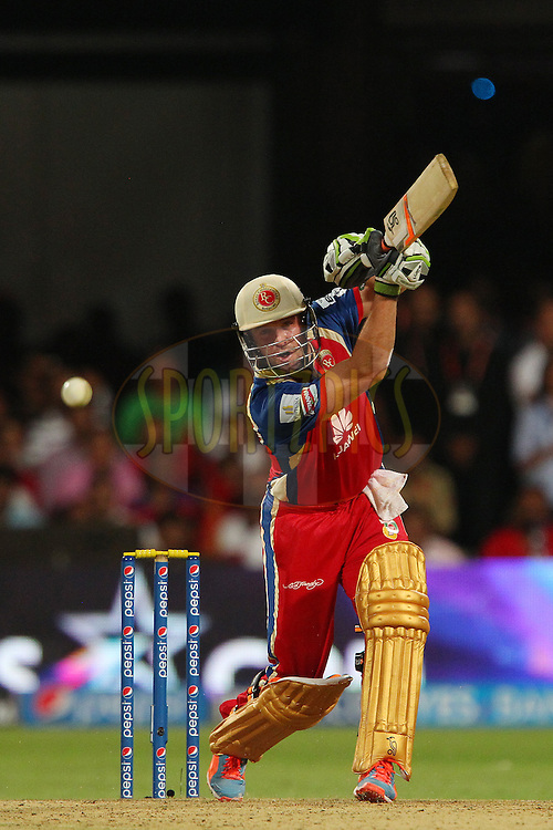 AB de Villiers of the Royal Challengers Bangalore during match 24 of the Pepsi Indian Premier League Season 2014 between the Royal Challengers Bangalore and the Sunrisers Hyderabad held at the M. Chinnaswamy Stadium, Bangalore, India on the 4th May  2014<br /> <br /> Photo by Ron Gaunt / IPL / SPORTZPICS<br /> <br /> <br /> <br /> Image use subject to terms and conditions which can be found here:  http://sportzpics.photoshelter.com/gallery/Pepsi-IPL-Image-terms-and-conditions/G00004VW1IVJ.gB0/C0000TScjhBM6ikg