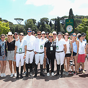 Roma 24/05/2018 Piazza di Siena<br /> 86 CSIO Piazza di Siena<br /> Il team della Nuova zelanda contornato da fan
