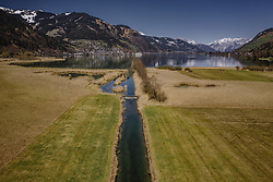 THEMENBILD - Seekanal am Suedufer beim Zeller See, aufgenommen am 20. April 2019 in Thumersbach, Oesterreich // Sea channel at the south shore of the Zeller lake in Thumersbach, Austria on 2019/04/20. EXPA Pictures © 2019, PhotoCredit: EXPA/ JFK