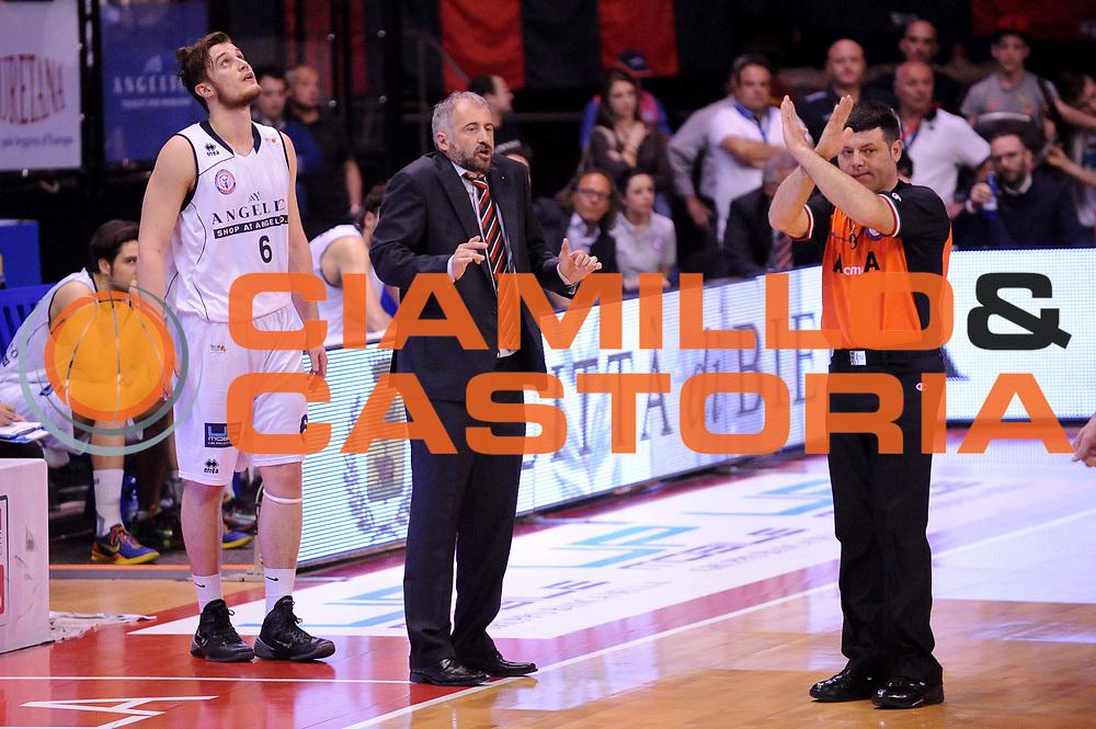 DESCRIZIONE : Biella LNP DNA Adecco Gold 2013-14 Angelico Biella Tezenis Verona<br /> GIOCATORE : Fabio Corbani Arbitro<br /> CATEGORIA : Delusione Arbitro<br /> SQUADRA : Angelico Biella Arbitro<br /> EVENTO : Campionato LNP DNA Adecco Gold 2013-14<br /> GARA : Angelico Biella Tezenis Verona<br /> DATA : 13/04/2014<br /> SPORT : Pallacanestro<br /> AUTORE : Agenzia Ciamillo-Castoria/Max.Ceretti<br /> Galleria : LNP DNA Adecco Gold 2013-2014<br /> Fotonotizia : Biella LNP DNA Adecco Gold 2013-14 Angelico Biella Tezenis Verona<br /> Predefinita :
