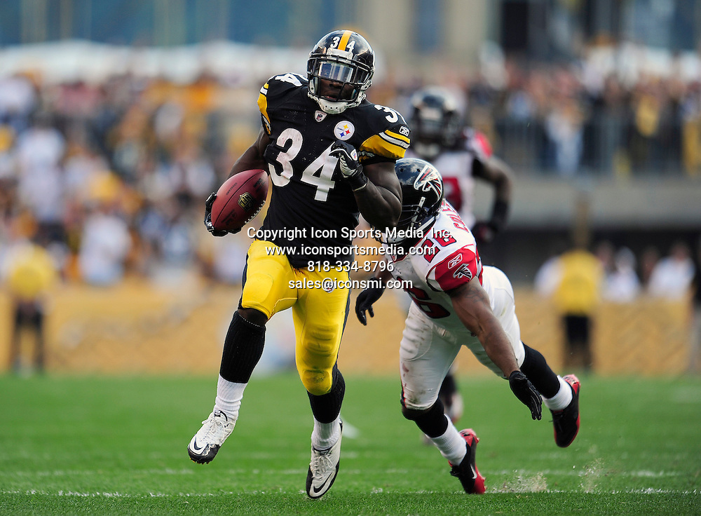 12 September 2010: Pittsburgh Steelers running back Rashard Mendenhall (34) runs 50-yards for the game wining touchdown during the Pittsburgh Steelers 15-9 overtime victory against the Atlanta Falcons at Heinz Field in Pittsburgh, Pennsylvania.