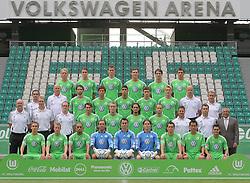 12.07.2012, Volkswagen Arena, Wolfsburg, GER, 1.FBL,  VfL Wolfsburg Training im Bild Mannschaft vom VfL Wolfsburg Saison 2011/2012 mit Trainer Felix Magath re. aussen stehend - hier am 12.07.2011. 4. R.v.li.: Simon Kjaer #34_Bjarne Thoelke #36_Alexander Madlung #17_Kevin Scheidhauer #21_Srdjan Lakic #9_Mario Mandzukic #18. 3. R. v.l.: Michele Putaro_Jörg Drill (Masseur)_Arne Friedrich #3_Koo Ja-Cheol #5_Tolga Cigerci #14_Mateusz Klich #22_Michael Schulze #39_Andreas Hilfiker (TW-Trainer)_Pierre Littbarski (Co.-Trainer)_2. R.vli.: Heribert Rüttger (Zeugwart)_Manfred Kroß (Masseur)_Oliver Mutschler (Reha-Trainer)_Patrick Helmes #33_Thomas Kahlenberg #8_Tuncay Sanli #6_Jan Polak #29_Werner Leuthard (Kond.-Trainer)_Bernd Hollerbach (Co.-Trainer_Felix Magath (Chef-Trainer)_1.R.v.li.:Peter Pekarik #19_Patrick Ochs #2_Ashkan Dejagah #24_Andre Lenz #12 TW_Diego Benaglio #1 TW_Marwin Hitz #35 TW_Marcel Schäfer #4_Makoto Hasebe #13_Josuè #7. Es fehlen: Hasan Salihamidzic #11_Yohandry Orozco #30_Sebastian Polter #40..     EXPA Pictures © 2011, PhotoCredit: EXPA/ nph/  Rust       ****** out of GER / CRO  / BEL ******