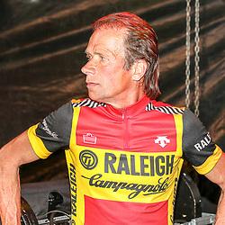 05-06-2015: Wielrennen: Nacht van Hengelo: Hengelo<br /> HENGELO (NED) wielrennen<br /> De Race of the Legends een wedstrijd voor oud renners in Hengelo verreden in het kader van de 40e editie van de Nacht van Hengelo. Henk Lubberding