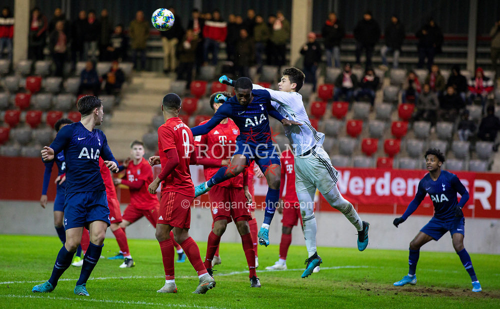 MUNICH, GERMANY - Wednesday, December 11, 2019: Bayern Munich's goalkeeper Jakob Mayer during the final UEFA Youth League Group B match between FC Bayern München and Tottenham Hotspur at the FC Bayern Campus. (Pic by David Rawcliffe/Propaganda)