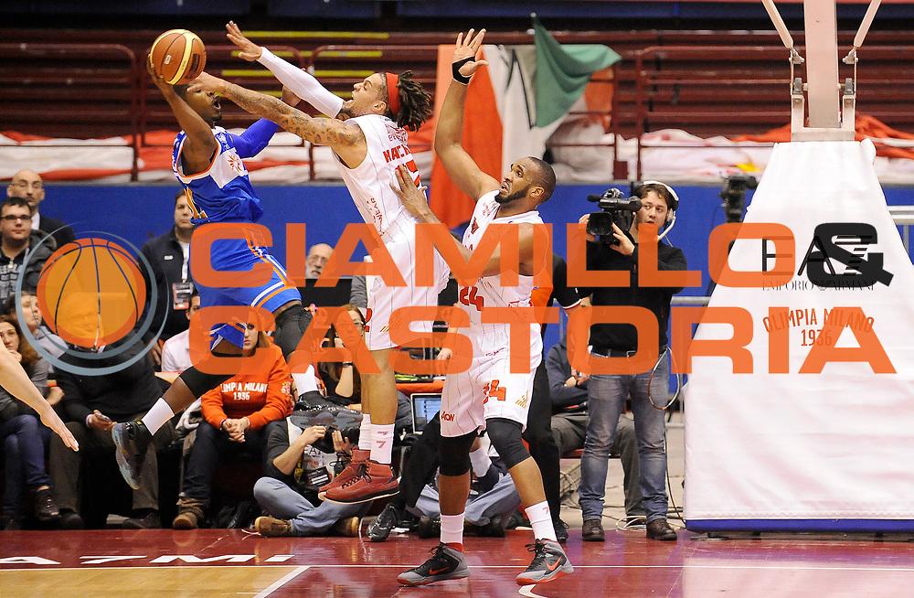 DESCRIZIONE : Milano Campionato Lega A 2013-14 EA7 Olimpia Armani Milano Enel Brindisi<br /> GIOCATORE : Daniel Hackett<br /> SQUADRA : EA7 Olimpia Armani Milano <br /> EVENTO : Campionato Lega A 2013-14<br /> GARA :  EA7 Olimpia Armani Milano Enel Brindisi<br /> DATA : 19/01/2014<br /> CATEGORIA : Difesa Controcampo<br /> SPORT : Pallacanestro<br /> AUTORE : Agenzia Ciamillo-Castoria/A.Giberti<br /> Galleria : Campionato Lega Basket A 2013-14<br /> Fotonotizia : EA7 Olimpia Armani Milano Enel Brindisi<br /> Predefinita :