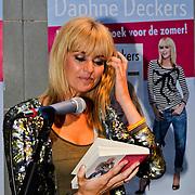 """NLD/Amsterdam/20100614 - Boekpresentatie Daphne Deckers """" Laat Maar Waaien"""", Daphne Deckers"""