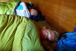 05-07-2014 NED: Iceland Diabetes Challenge dag 1, Landmannalaugar <br /> Vandaag ging de challenge van start. Met een bus gingen we van Vogar naar Landmannalaugar en zagen we de eerste tekenen van het prachtige landschap van IJsland / Annet