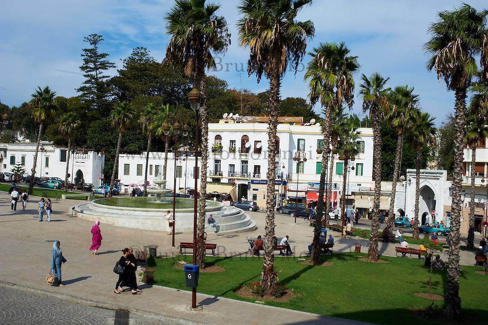 Maroc, Tanger, ville nouvelle, le Grand Socco ou la place du 9 avril 1947 // Morocco, Tangier (Tanger), new city, Grand Socco square or April 9, 1947 square