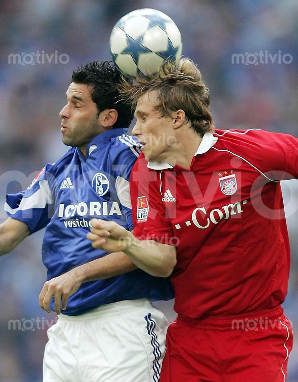 Fussball  1. Bundesliga  Saison 2005/2006  9. Spieltag FC Schalke 04 - FC Bayern Muenchen   LINCOLN (li, S04) gegen Andreas OTTL (re, FCB)
