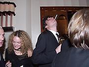Alex James. David Bailey dinner hosted by Lucy Yeomans at Gordon Ramsay at Claridge's. 12 November 2001. © Copyright Photograph by Dafydd Jones 66 Stockwell Park Rd. London SW9 0DA Tel 020 7733 0108 www.dafjones.com