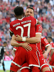 14.04.2018, Allianz Arena, Muenchen, GER, 1. FBL, FC Bayern Muenchen vs Borussia Moenchengladbach, 30. Runde, im Bild Sandro Wagner (FC Bayern Muenchen #2) Jubelt nach dem 2:1 David Alaba (FC Bayern Muenchen #27) // during the German Bundesliga 30th round match between FC Bayern Munich and Borussia Moenchengladbach at the Allianz Arena in Muenchen, Germany on 2018/04/14. EXPA Pictures &copy; 2018, PhotoCredit: EXPA/ Eibner-Pressefoto/ Langer<br /> <br /> *****ATTENTION - OUT of GER*****