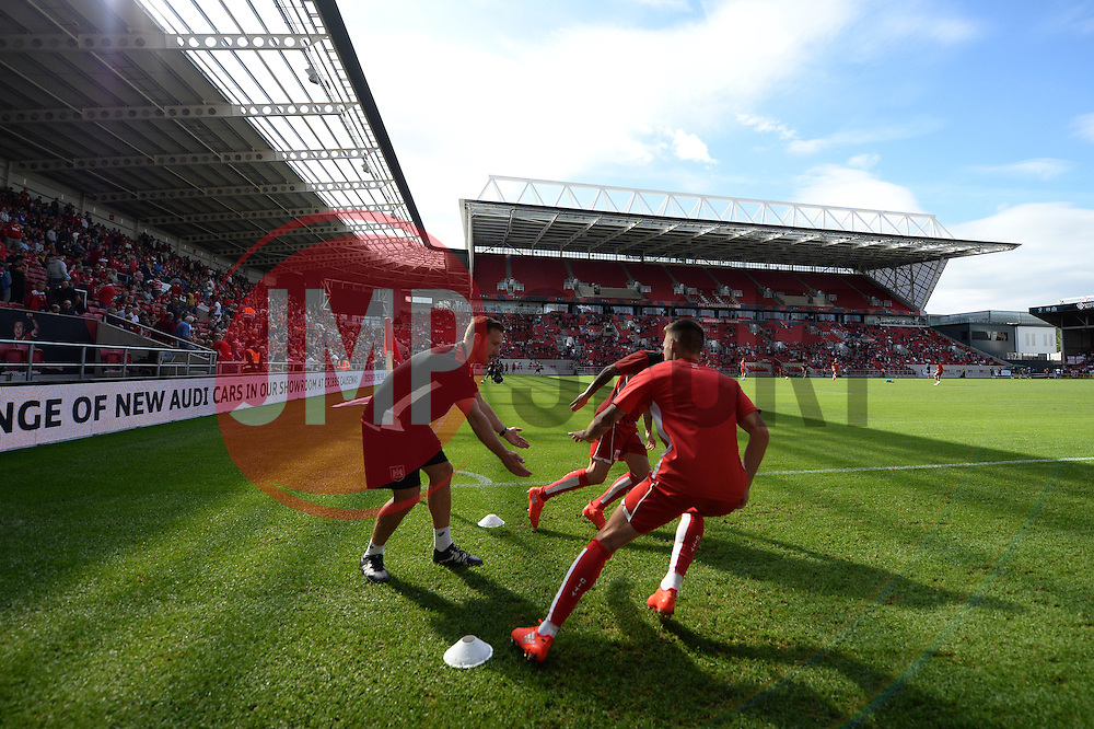 Bristol City warm up ahead of the game against Derby County  - Mandatory by-line: Dougie Allward/JMP - 17/09/2016 - FOOTBALL - Ashton Gate Stadium - Bristol, England - Bristol City v Derby County - Sky Bet Championship