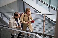 DEU, Deutschland, Germany, Berlin, 27.09.2017: Beatrix von Storch (MdB, AfD) und Gottfried Curio (MdB, AfD)  auf dem Weg zur Fraktionssitzung der AfD-Bundestagsfraktion im Deutschen Bundestag.