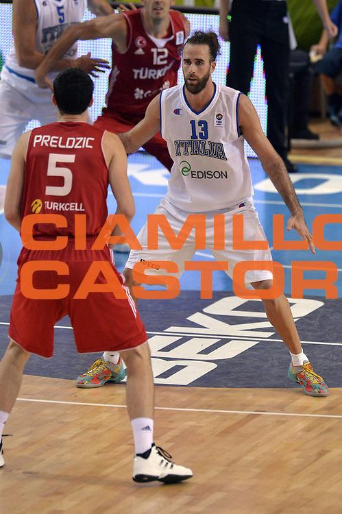DESCRIZIONE : Capodistria Koper Slovenia Eurobasket Men 2013 Preliminary Round Italia Turchia Italy Turkey<br /> GIOCATORE : Luigi Datome<br /> CATEGORIA : Difesa<br /> SQUADRA : Italia<br /> EVENTO : Eurobasket Men 2013<br /> GARA : Italia Turchia Italy Turkey<br /> DATA : 05/09/2013<br /> SPORT : Pallacanestro&nbsp;<br /> AUTORE : Agenzia Ciamillo-Castoria/GiulioCiamillo<br /> Galleria : Eurobasket Men 2013 <br /> Fotonotizia : Capodistria Koper Slovenia Eurobasket Men 2013 Preliminary Round Italia Turchia Italy Turkey<br /> Predefinita :