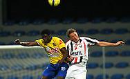 05-09-2008 Voetbal:KVC Westerlo:Willem II: Westerlo<br /> Jaimi Ruiz in duel met Rens van Eijden<br /> Foto: Geert van Erven