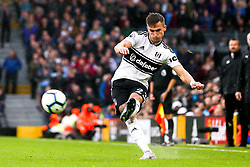 Joe Bryan of Fulham crosses the ball - Mandatory by-line: Robbie Stephenson/JMP - 26/08/2018 - FOOTBALL - Craven Cottage - Fulham, England - Fulham v Burnley - Premier League