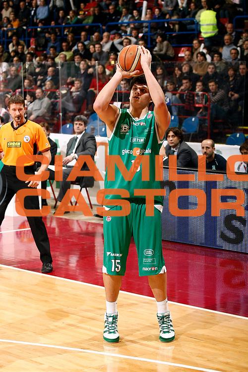 DESCRIZIONE : Milano Lega A 2009-10 Armani Jeans Milano Benetton Treviso<br /> GIOCATORE : Alessandro Gentile<br /> SQUADRA : Benetton Treviso<br /> EVENTO : Campionato Lega A 2009-2010 <br /> GARA : Armani Jeans Milano Benetton Treviso<br /> DATA : 23/01/2010<br /> CATEGORIA : Tiro Three Points<br /> SPORT : Pallacanestro <br /> AUTORE : Agenzia Ciamillo-Castoria/G.Cottini<br /> Galleria : Lega Basket A 2009-2010 <br /> Fotonotizia : Milano Campionato Italiano Lega A 2009-2010 Armani Jeans Milano Benetton Treviso<br /> Predefinita :