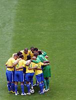 Photo: Chris Ratcliffe.<br /> Brazil v Ghana. Round 2, FIFA World Cup 2006. 27/06/2006.<br /> Brazil team huddle.