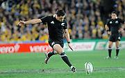 Dan Carter goes for Goal, Rugby Championship. Australia v All Blacks at ANZ Stadium, Sydney, New Zealand. Saturday 18 August 2012. New Zealand. Photo: Richard Hood/photosport.co.nz