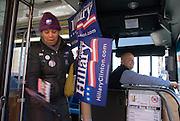 New York  Harlem Schauspielerin Martima Garcia, 49, wirbt um Stimmen fuer Hillary Clinton..Fotos © Stefan Falke. Clinton / Obama Kandidatenwahl der Demokraten in den USA.New York Primary 2008