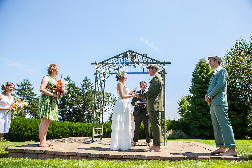 Jason Barnes and Carli Mudd get married on July 19, 2012 at Beckenridge Vineyard in Dallas, Oregon..Photo by Kai-Huei Yau / kaiphoto.net