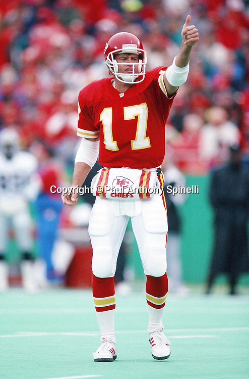 Kansas City Chiefs quarterback Steve DeBerg (17) gives a thumbs up during the NFL AFC Wild Card playoff football game against the Los Angeles Raiders on Dec. 28, 1991 in Kansas City, Mo. The Chiefs won the game 10-6. (©Paul Anthony Spinelli)
