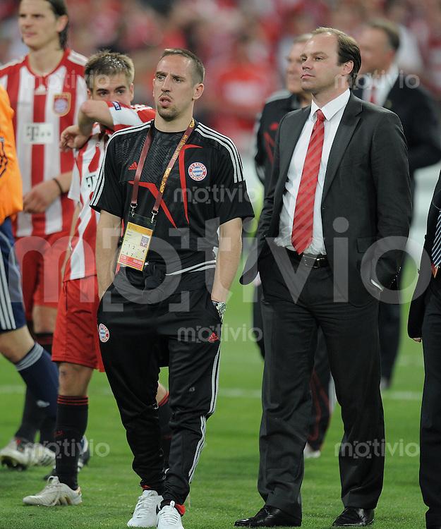 FUSSBALL      CHAMPIONSLEAGUE FINALE       SAISON 2009/2010 FC Bayern Muenchen - Inter Mailand    22.05.2010 ENTTAEUSCHUNG FC Bayern,  Franck Ribery (li) und Manager Christian Nerlinger