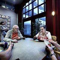 Nederland, Amsterdam , 2 augustus 2011..Spelletjes spelende ouderen in multifunctioneel verzorgingstehuis Beth Shalom, joods bejaardenhuis dat onder toezicht wordt gesteld vanwege belabberde zorg...Foto:Jean-Pierre Jans