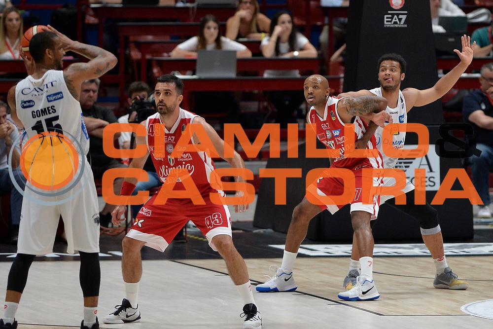 Shields Shavon,Hickman Richard<br /> Olimpia EA7 Emporio Armani Milano vs Dolomiti Energia Trentino<br /> Lega Basket Serie A 2016/2017<br /> PlayOff semifinale gara 2<br /> Milano 27/05/2017<br /> Foto Ciamillo-Castoria / I.Mancini